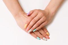 женщина вручает manicure Стоковое Изображение