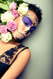 Женщина в дне мертвого портрета маски Стоковая Фотография RF