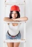 Женщина в защитном шлеме конструкции Стоковые Изображения RF