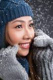 Женщина в зиме стоковые фотографии rf