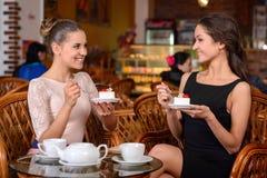 Женщина в кафе Стоковые Фото