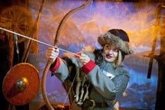 Женщина в костюме ратника Стоковое Изображение RF