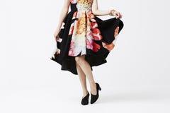 Женщина в модном платье Стоковые Фотографии RF