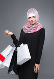 Женщина в мусульманском hijab шарфа стоковая фотография rf