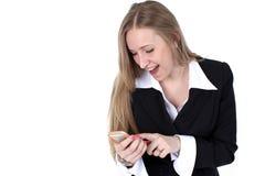 Женщина в обмундировании дела говоря к черни стоковая фотография rf