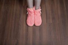 Женщина в домашних ботинках Стоковое Изображение RF