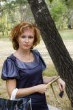 Женщина в парке города Стоковая Фотография RF