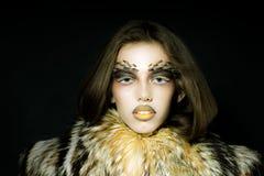 Женщина в пальто шерсти Стоковое фото RF