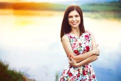 Женщина в платье реки Стоковые Фото