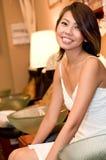 Женщина в салоне Стоковое фото RF
