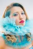 Женщина в синем воротничке Стоковое Фото