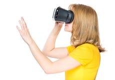 Женщина в стеклах VR Стоковое фото RF