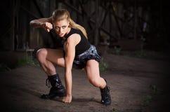 Женщина в форме (нормальная версия) Стоковые Изображения RF