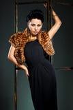 Женщина в черном платье Стоковые Изображения RF