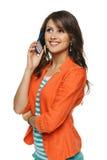 Женщина говоря на мобильном телефоне Стоковые Фото