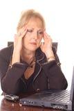 женщина головной боли дела разочарованная Стоковое Фото