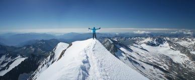женщина горы верхняя стоковая фотография rf