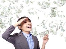 Женщина дела счастливая с дождем денег Стоковые Изображения RF