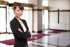 Женщина дела Yong довольно азиатская Стоковая Фотография RF