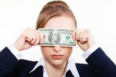 Женщина держа деньги. Принципиальная схема денег Стоковые Фото