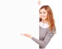 Женщина держа знак - портрет красивейшей женщины держа bla Стоковые Изображения RF