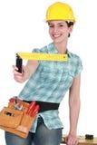 Женщина держа установленный квадрат Стоковое Изображение RF