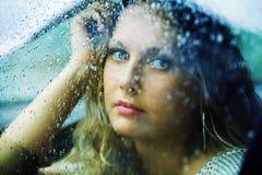 женщина дождя унылая Стоковые Фотографии RF