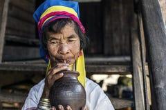 Женщина Длинн-шеи, Мьянма Стоковые Фотографии RF