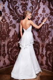 Красивейшая сексуальная невеста в белом платье венчания Стоковые Изображения