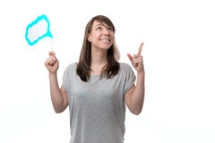 Женщина держа плиту в руке стоковая фотография