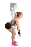 Женщина делая гантель Deadlift Стоковое Изображение RF