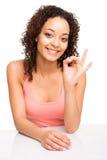 Женщина делая одобренный знак Стоковое Изображение