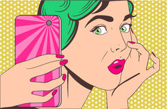 Женщина делая selfie Стоковые Фото