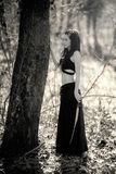 Женщина ждать, черно-белый ретро стиль мифической твари Стоковое фото RF