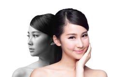 Женщина заботы кожи позже и раньше стоковые фотографии rf