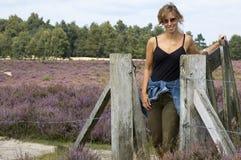 женщина загородки стоковые фото