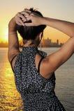 женщина захода солнца способа Стоковое Изображение