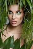 женщина зеленого цвета экологичности принципиальной схемы стоковое фото rf