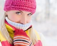 женщина зимы одежды Стоковое фото RF