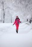 женщина зимы парка Стоковые Изображения