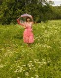женщина зонтика красного цвета розовая Стоковое Фото
