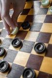 Женщина играя контролеров Стоковые Изображения RF