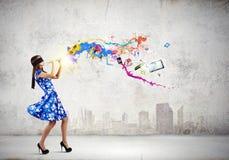 Женщина играя файф Стоковая Фотография