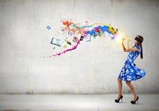 Женщина играя файф Стоковые Изображения RF