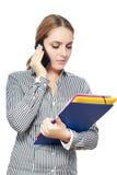 Женщина используя smartphone стоковое изображение