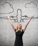Женщина и авиалайнер чертежа Стоковые Изображения RF