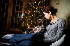 Женщина и ее собака Стоковое Изображение RF