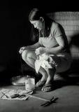 Женщина и пряжа Стоковые Изображения
