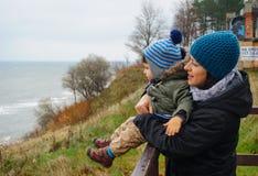 Женщина и ребенок Стоковые Изображения RF