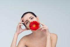 Женщина и цветок Стоковые Изображения RF